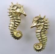 Seahorse Earrings 18k