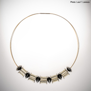 10-03.  Luis Méndez Artesanos - Silver & 18k gold choker with steel wire