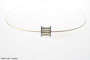 10-01.  Luis Méndez Artesanos - Silver & 18k gold pendant with steel wire
