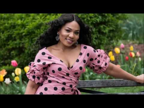 Sexy Fashion Model and Nigerian Singer Idara   live stream photo shoot