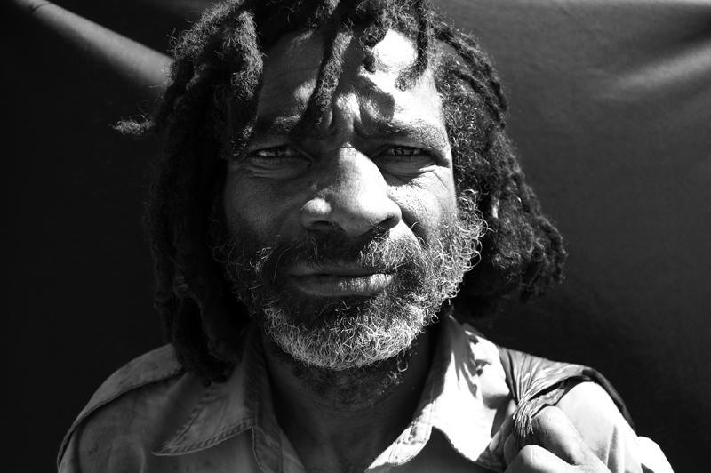 Retrato en Fondo Negro