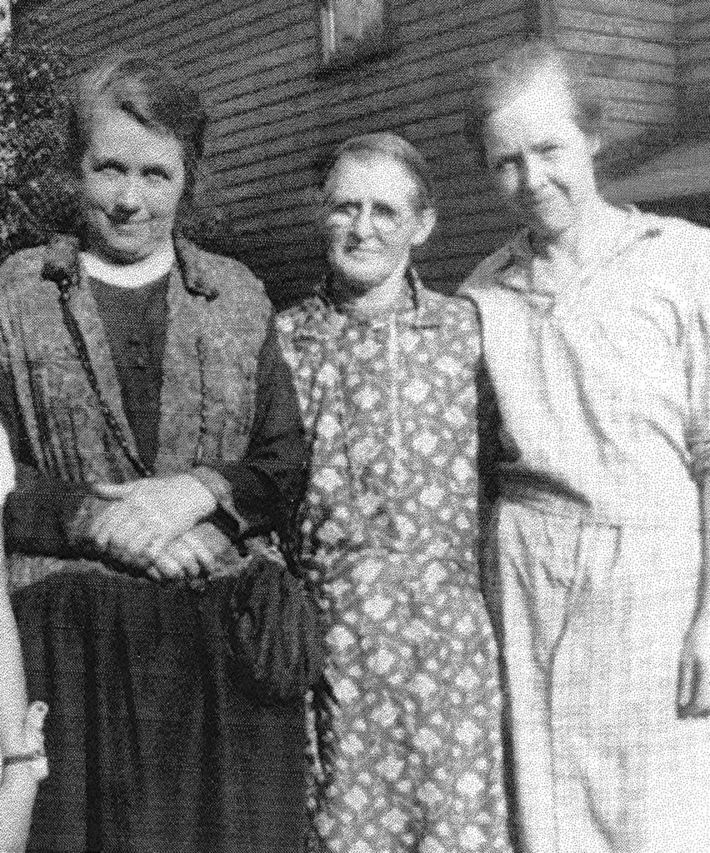 Mary Hargadon Sloan & 2 of her daughters