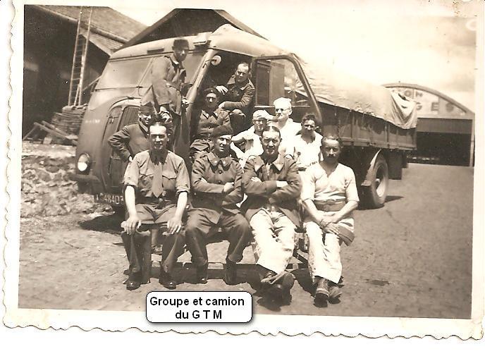 Groupe et camion du G T M