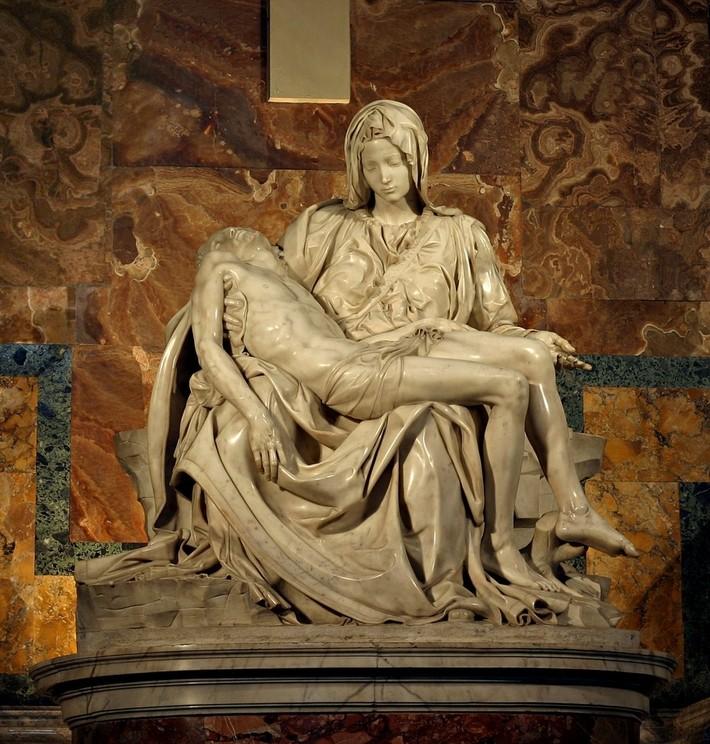 Michelangelo_Pieta_5450_cropncleaned