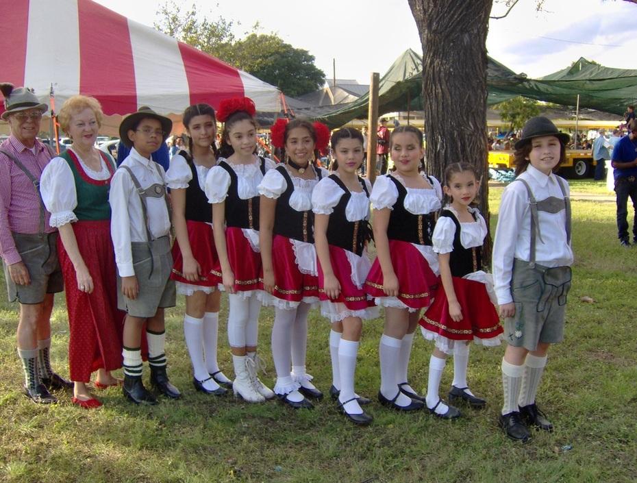 MECCA international dancers
