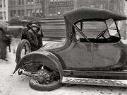 Washington,_D_C_,_1917__Dr__W_J__Davis,_disabled_auto