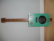 4 string resonator