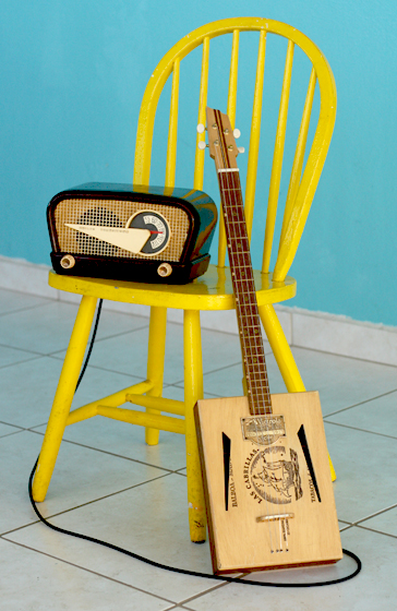 Rodney Fruits and a 1954 Philco Flying wedge Radio Guitar amp