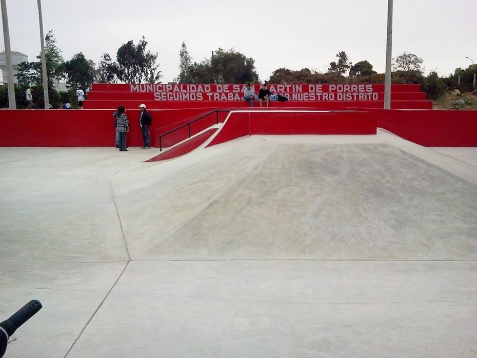 SKATEPARK SAN MARTIN DE PORRES LISTO ! INAUGURACIÓN SÁBADO 8 OCTUBRE 2011