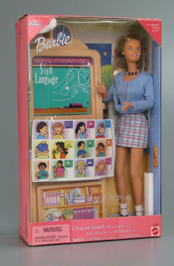 Barbie vous fait signe!