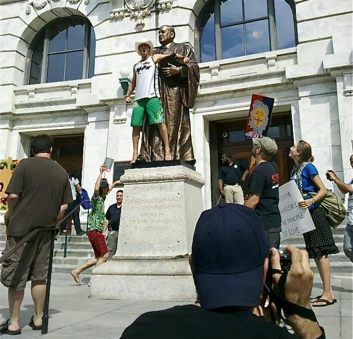 Statue Takeover