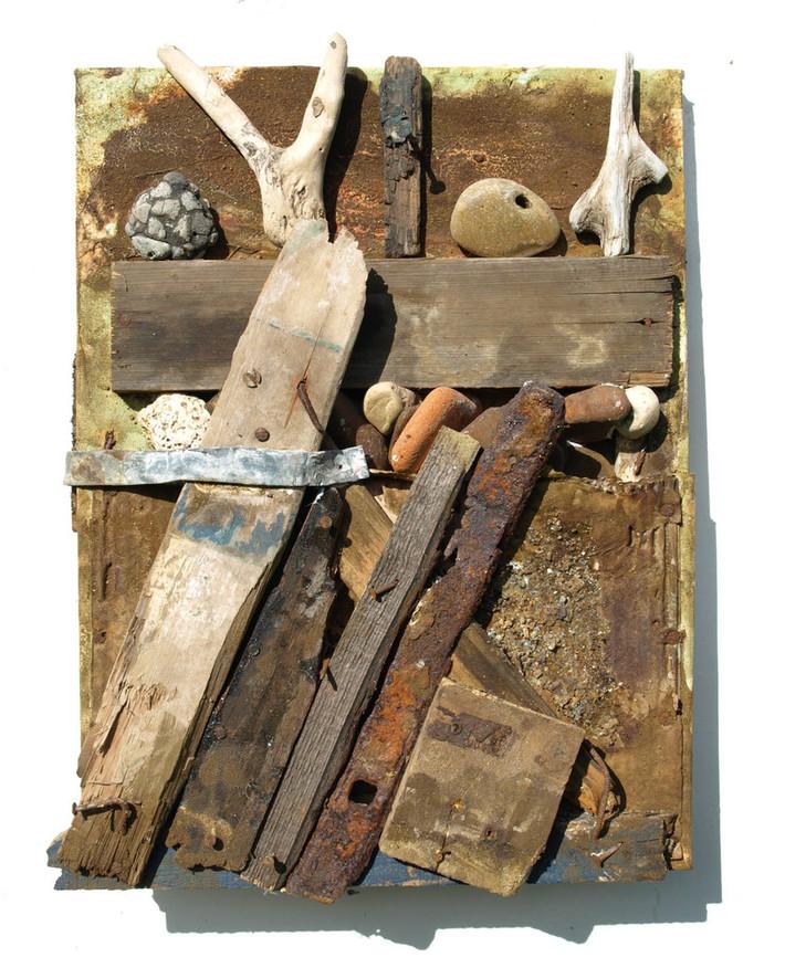 objects balanced on groyne