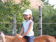 Kinga lovagol 2009 unokám