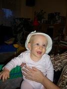 Nagy sapkában kis gyerek :-)