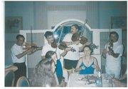 Néptáncos lányok és népzenészek Bábolnán mulatnak... (Marcsim)