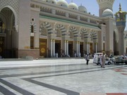 Masjid_An-Nabawi_in_Madinah