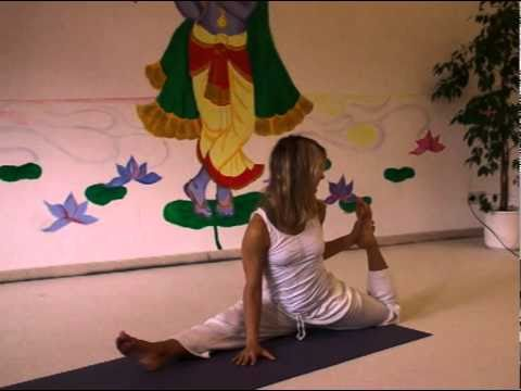 Advanced Sitting Splits - Yoga Asana with Sirkka
