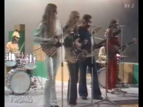 Doobie Brothers  -     Listen To The Music  .1972