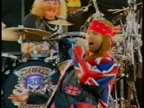Guns N' Roses - Paradise City (live in Wembley 1992)