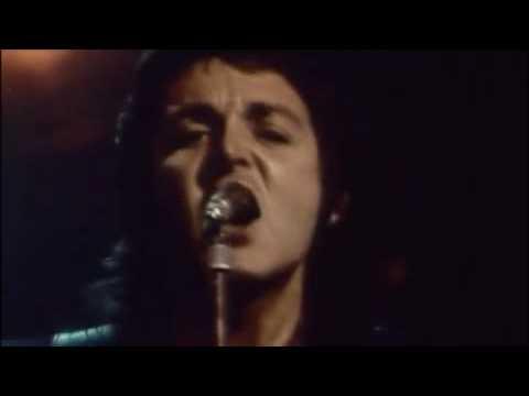 Paul McCartney and Wings - Hi Hi Hi