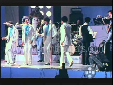 "The Temptations- ""Papa Was A Rollin' Stone"" 1972 (Reelin' In The Years Archives)"