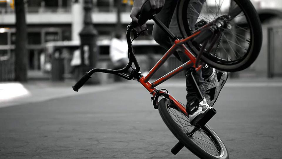 BMX - Alain Massabova - 40 years in Paris