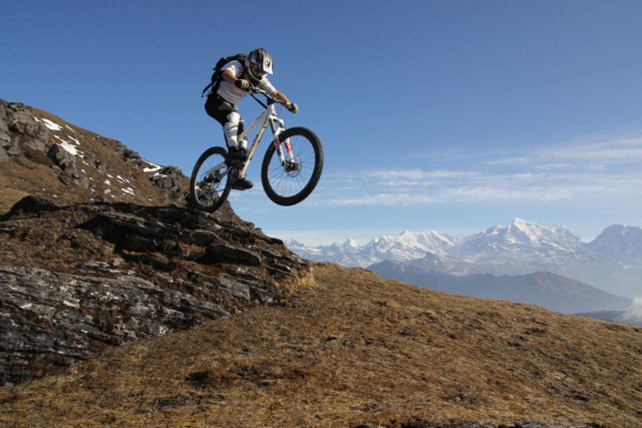 Dawn til Dusk - Mountain Bike Nepal