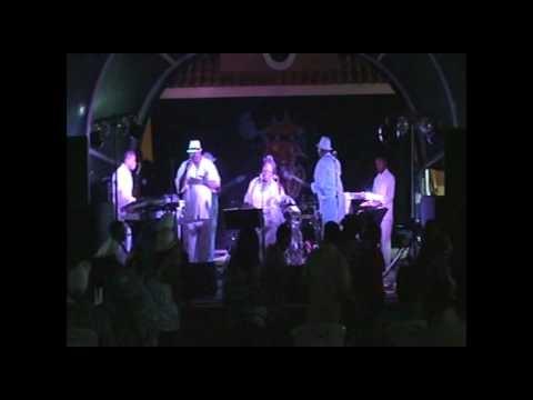 Derek Mack Band : Never Too Much!