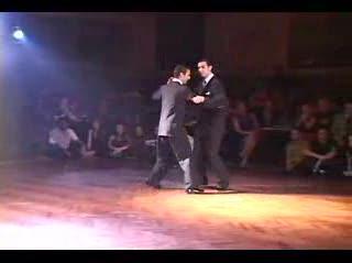 Homens dançando tango