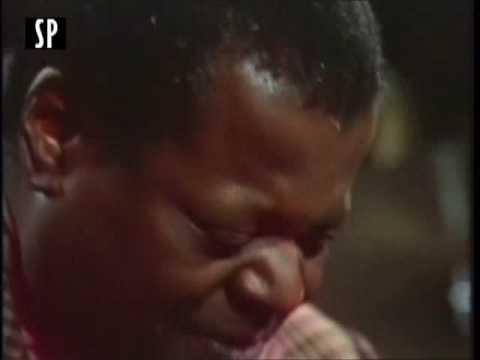 Oscar Peterson - Rare Performance  'Poutin' - Blues (Ben Webster)