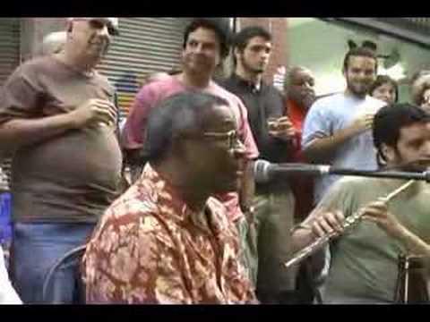 Wilson Moreira lança CD na rua do Ouvidor (Centro do Rio)