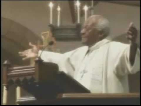 Salve a batina do Bispo Tutu! (legendado)