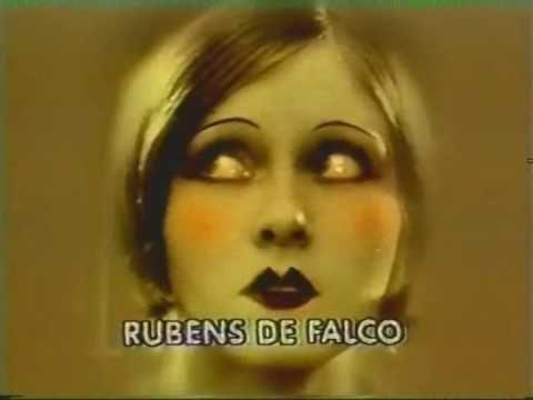 """Nara Leão canta chorinho """"Odeon"""""""