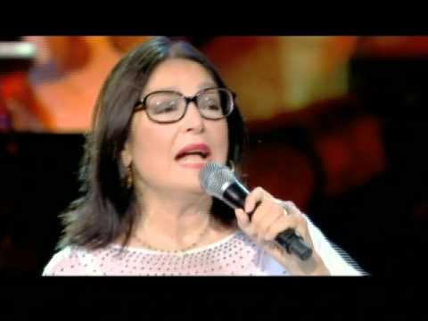 """Nana Mouskouri - """"Roses Blanches"""" (3 versions)  Athenes  2008"""
