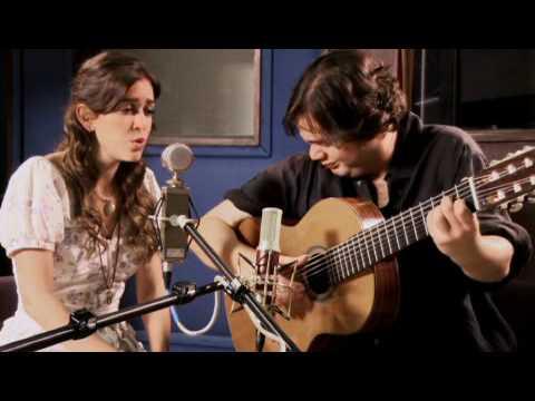 """""""Modinha"""" – Roberta Sá & Yamandu Costa (Vinícius de Morais / Tom Jobim)"""
