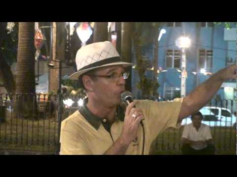 Rui Ribeiro - Cuíca e Vuvuzela