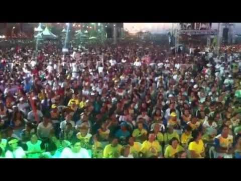Mega evento! 1 milhão e 400 mil pessoas cantam tema da Lei Maria da Penha com Tião Simpatia