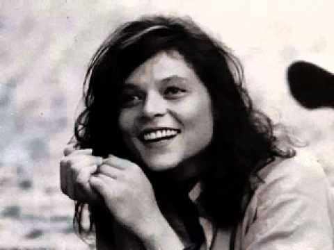 Saudade fez um samba: a bossa de Cássia Eller.