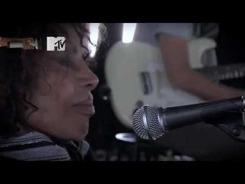 Meu Guri, Elza Soares a capella.
