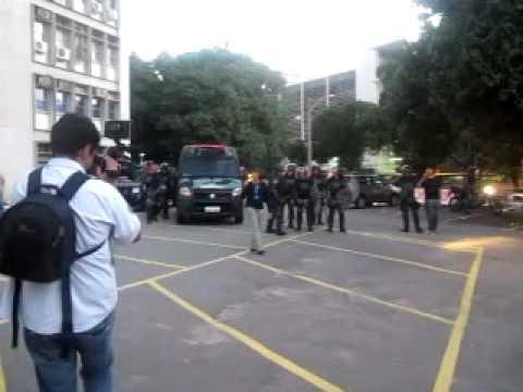 Tropa de choque invade campus da Uerj