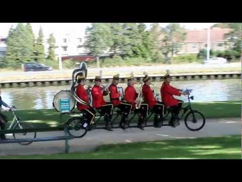 """Para ver a """"ciclobanda"""" passar"""