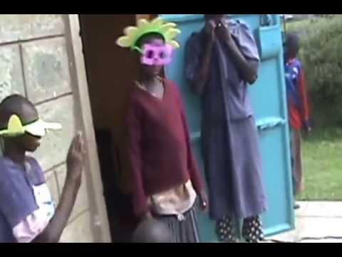 Art Therapy fun in Kenya - S.H.E.R.P. (Samburu Handicap Education Rehibilition Prograom)