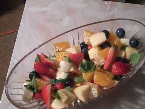 RAW FRUIT SALAD in 60 SECONDS!