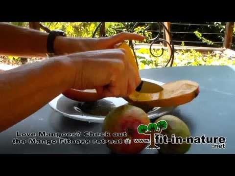 How to Eat Mangoes, three different ways: clean, messy and fun!
