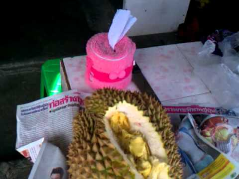 Thai market eating Big  durian and chempadek