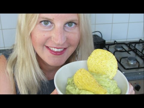 How to make guacamole EASY & VEGAN!