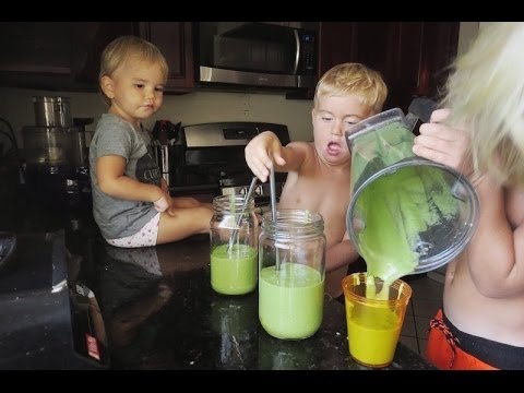 Delicious Green Smoothie Recipe for KIDS! - Fruitarian High Carb Raw Vegan