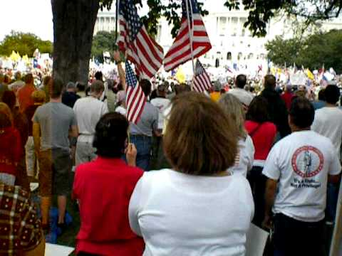 The National Anthem sung by 1 million Patriots in Washington, DC September 12, 2009