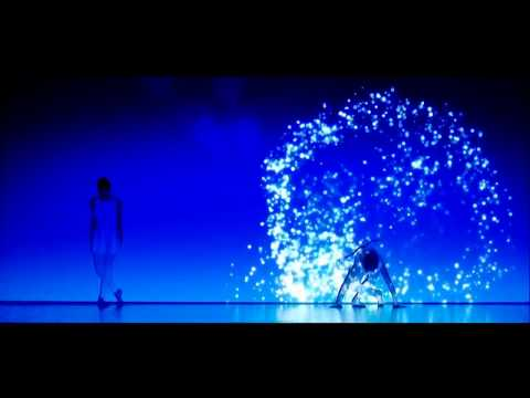 Japanese troupe-and quot;Enra and quot; combines dance and light. - Video