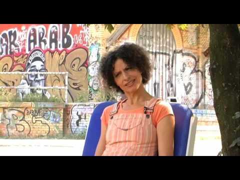 ENDLICH GRUNDEINKOMMEN! Daniela, Sozialarbeiterin, organisiert einen Jugendclub